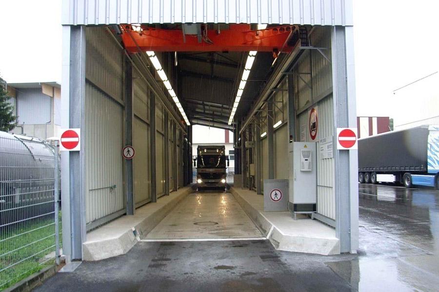 Probenahmehalle mit Eingangswaage und Aufplanbereich 1-spurig